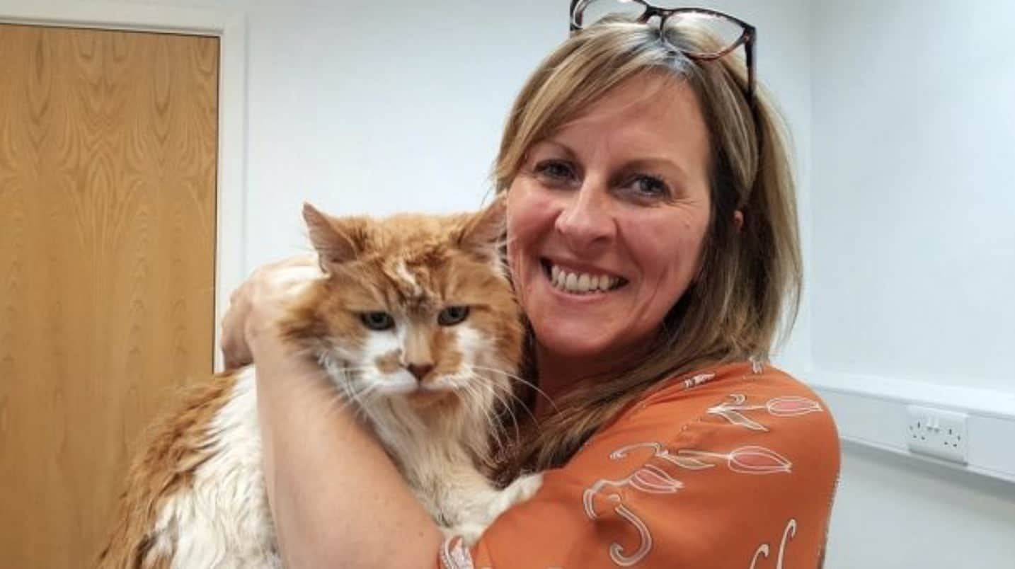 Michele Foster and her 30-year-old cat, Rubble