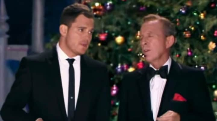 Michael Buble White Christmas.Michael Buble And Bing Crosby Sing White Christmas In An