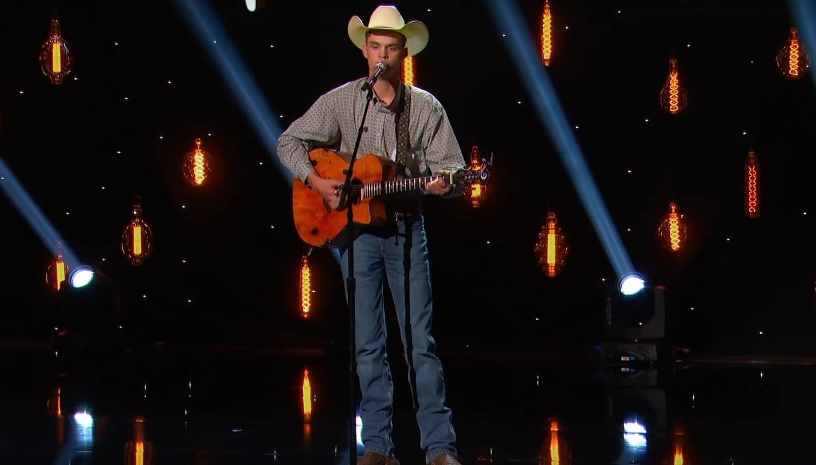 Country singer wows on American Idol