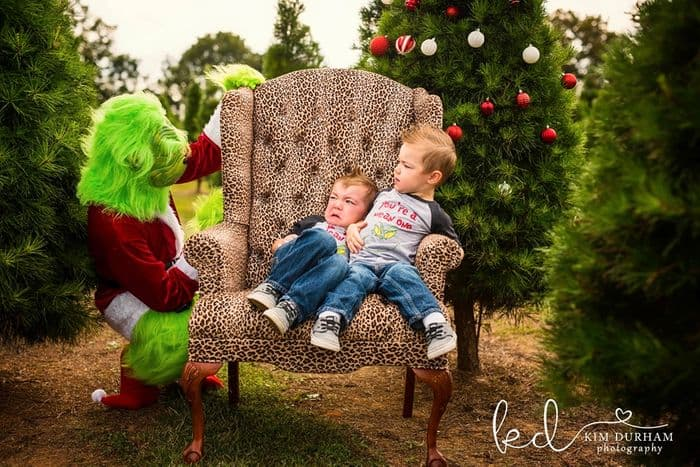 Photographer Takes Hilarious Christmas Photos Of Kids With The Grinch